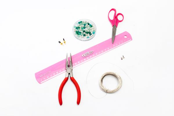 Supplies to make glasses chain