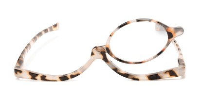 Front of The Kellyn Makeup Reader in Tan Tortoise